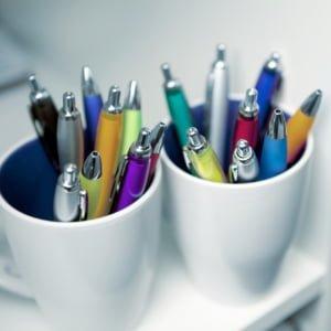 3015 foto 3 newport ballpen colour barrel hi resolution 300x300 - Kulepenn i farget plast med trykk