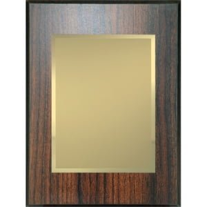 WB20AGold 300x300 - Plakett i tre med gullfarget metallplate og digitaltrykk